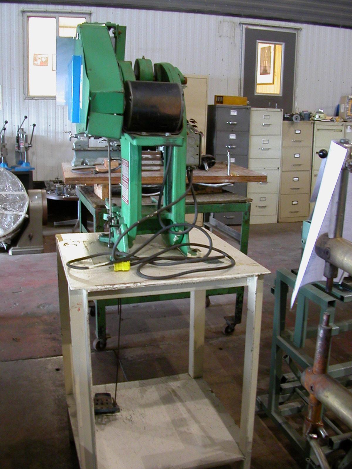 187 5 Ton Benchmaster Model 152 Mechanical Obi Punch Press